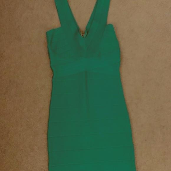 bebe Dresses & Skirts - Emerald green bandage dress